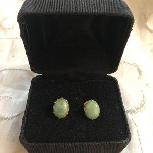 Vintage 18K Green Oval Jade Cabochon Earrings